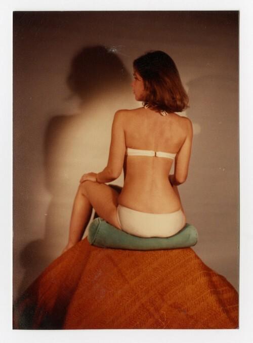 Fotografował te same kobiety na przestrzeni lat, zawsze w podobnych pozycjach