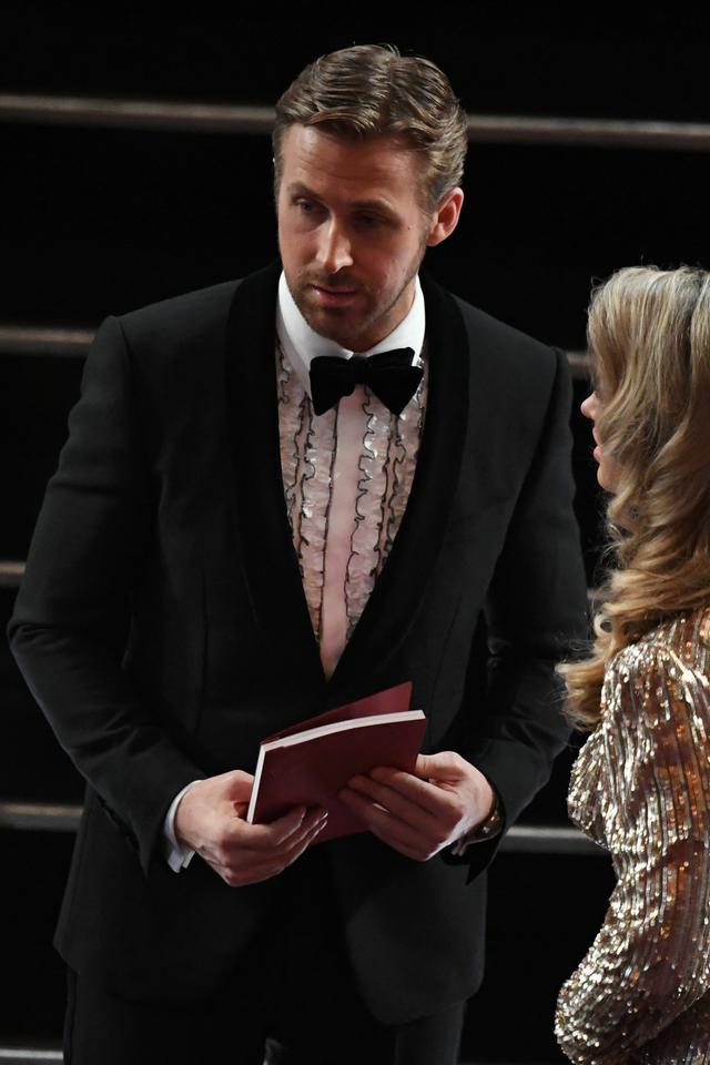 Kim jest kobieta u boku Ryana Goslinga?