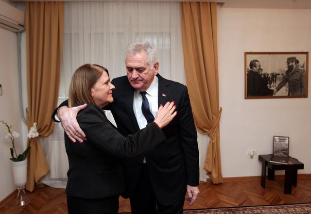 Nikolić u kubanskoj ambasadi