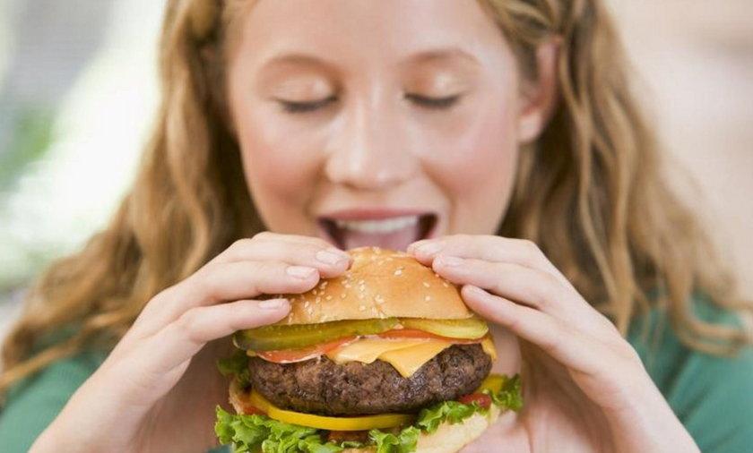 Tłuste jedzenie zrobi z ciebie nerwusa