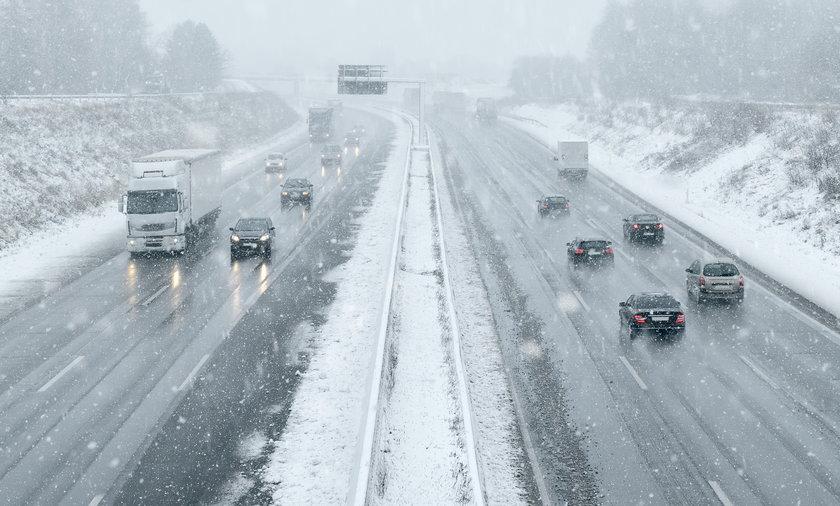 IMGW ostrzega przed oblodzeniami. Możliwe intensywne opady śniegu