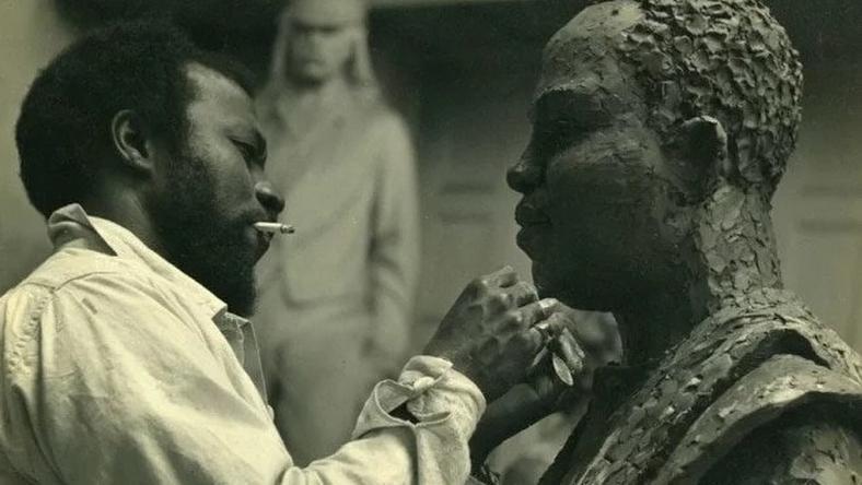 ben enwonwu making sculpture