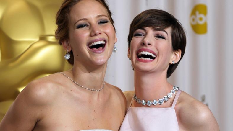 """""""Operacja Argo"""" w reżyserii Bena Afflecka otrzymała w nocy z niedzieli na poniedziałek Oscara w kategorii najlepszy film. Statuetki odebrali także m.in. Daniel Day-Lewis, Jennifer Lawrence i Anne Hathaway"""