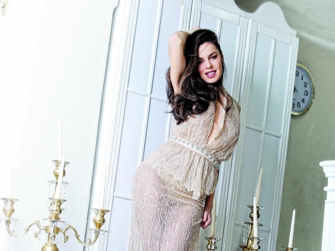 Katarina je jedna od najpoznatijih i najlepših Srpkinja: Mnogi bi je ovo pitali, a nama je odgovorila na sva vruća pitanja