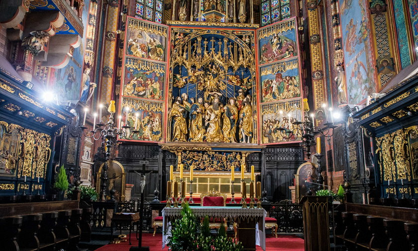Ołtarz Wita Stwosza odzyskał dawny blask