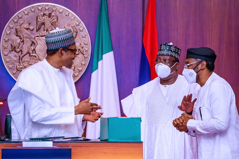 President Muhammadu Buhari, President of the Senate, Ahmad Lawan and Speaker of the House of Representatives, Femi Gbajabiamila. [Twitter/@Buharisallau1]