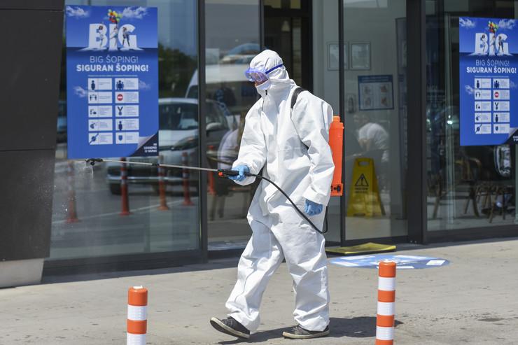 Novi Sad  dezinfekcija Big trzni centar foto Nenad Mihajlovic 1