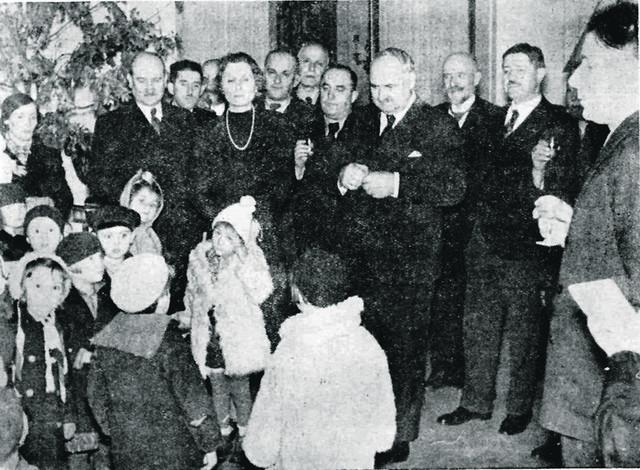 Olga i Vlada nisu imali svoju decu, ali su svu ljubav poklonili drugoj deci. Za njih su u svom domu priređivali priredbe, kupovali im darove, pomagali u životu njima i njihovim porodicama