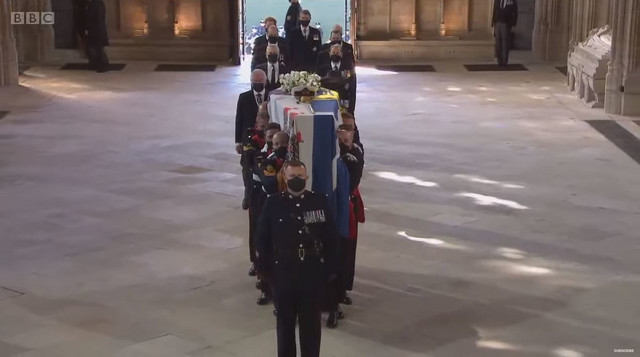 Sanduk sa telom princa Filipa u kapeli