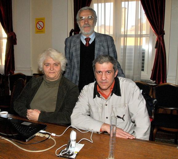 Članovi pobedničkog tima: Biljana Avramović, Đorđe Đorđević i Srbislav Nešić