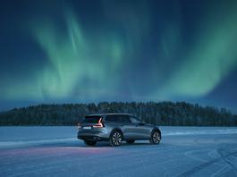 Cross Bałtyk – jeździmy nowym Volvo V60 Cross Country po lodzie