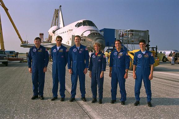 Don Tomas sa kolegama iz jedne od misija