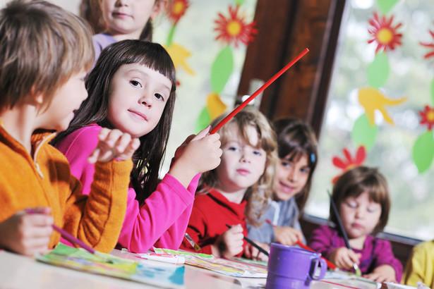 Likwidacja obowiązku rozpoczęcia nauki w wieku 6 lat może wiązać się z uszczupleniem budżetów samorządów