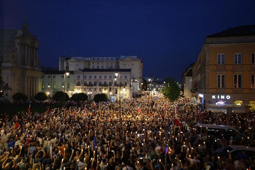 Chcemy weta - manifestacja pod Palacem Prezydenckim