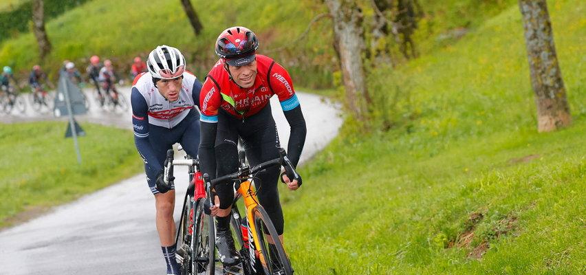 Fatalna kraksa na Giro d'Italia. Kolarz złamał obojczyk. WIDEO