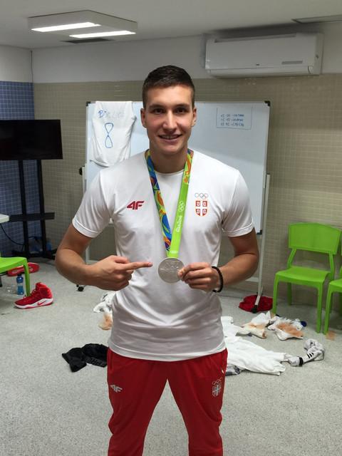 DEVOJKE ĆE BITI ODUŠEVLJENE: Ovako izgleda Bogdan Bogdanović bez majice!