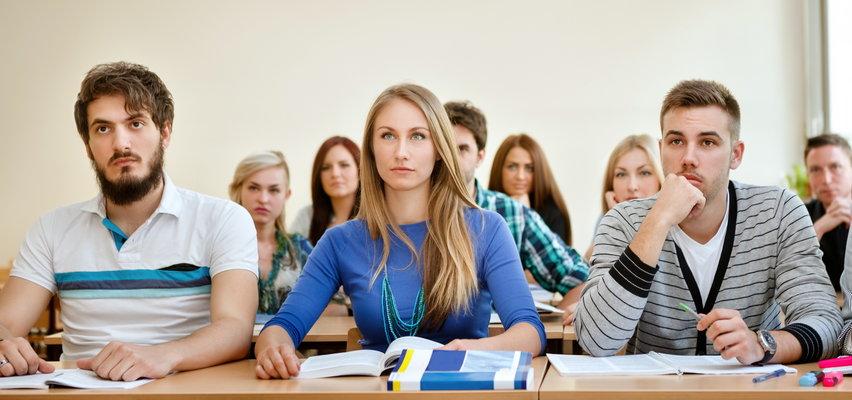 Wyciekły nowe zasady dla młodych ludzi. Tak mają się teraz ubierać. Czego zabronili?