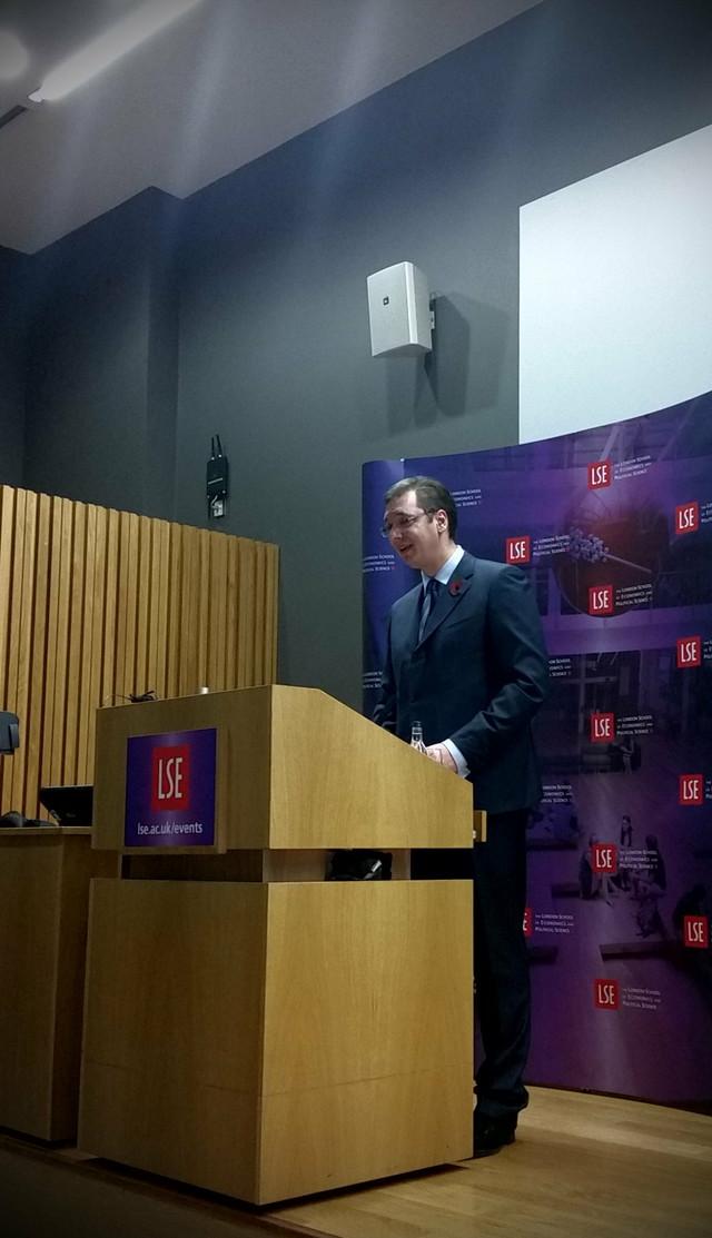 Vučić je održao predavanje pred punim amfiteatrom