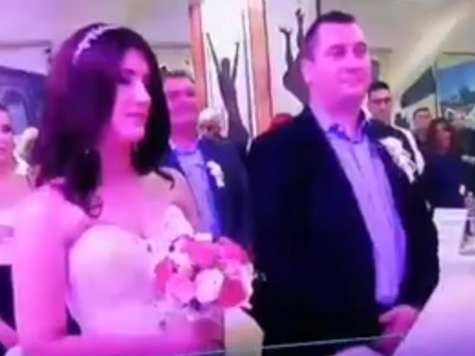"""Jovana je rekla """"da"""", a onda je došao red na Željka: Cela Srbija priča o tome KAKO JE MLADOŽENJA ODGOVORIO"""