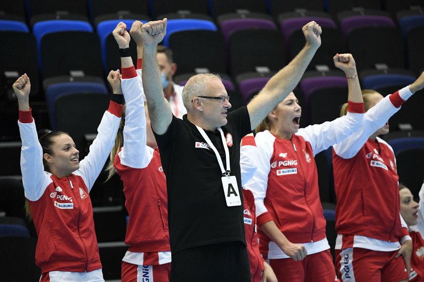 Polskie piłkarki ręczne jutro meczem z Norweżkami rozpoczynają w Danii grę w finałach mistrzostw Europy.