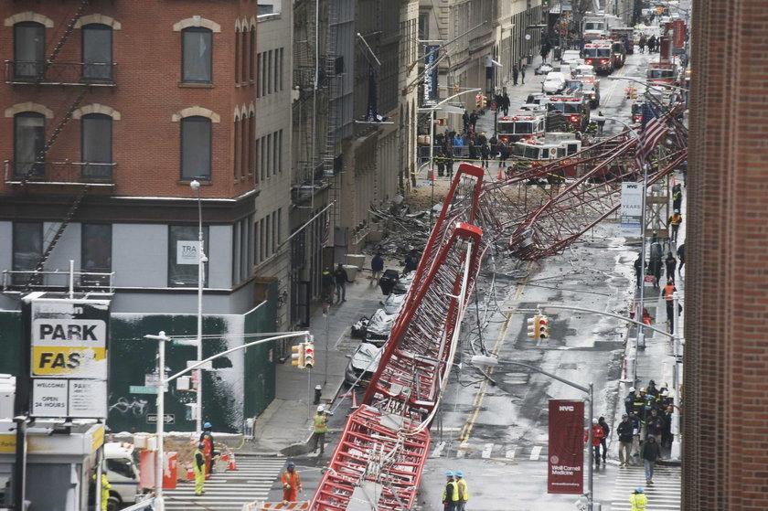 Ogromny dźwig runął w Nowym Jorku