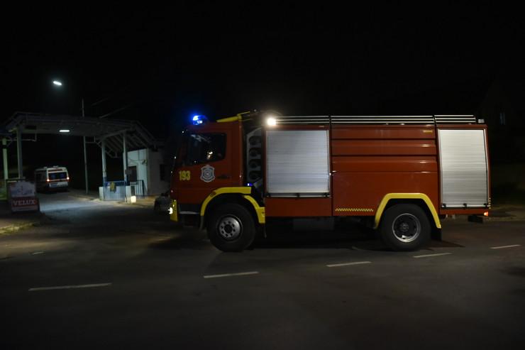 Požar vatrogasci Srbija noćna fotka pokrivalica