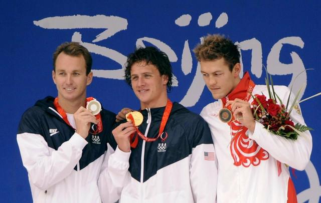 Vjačanin (desno)na pobedničkom postolju na Olimpijskim igrama u Pekingu