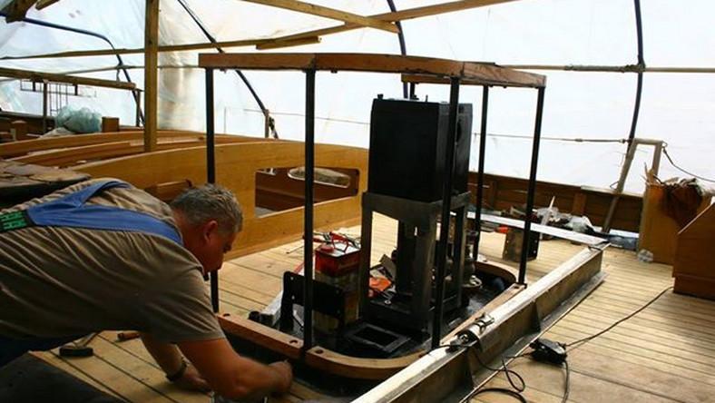 Szkutnik remontujący Zjaw IV