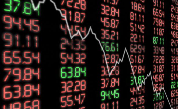 Obroty akcjami w poniedziałek wyniosły 546 mln zł, z czego 436 mln zł na akcjach spółek z WIG 20. Liderem obrotów był KGHM (80 mln zł). Kurs spółki spadł o 4,4 proc.