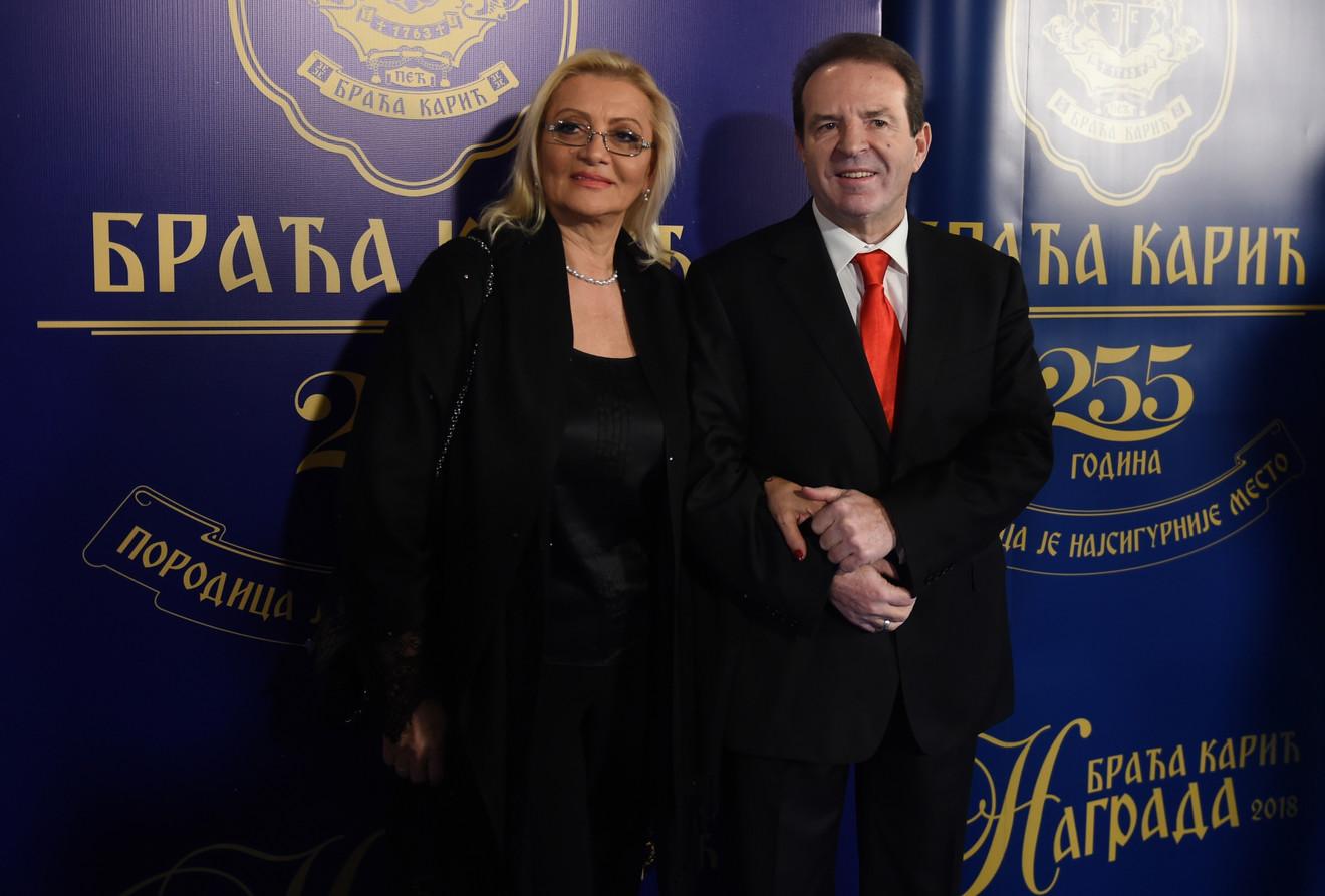 Elegantni Milanka i Bogoljub Karić