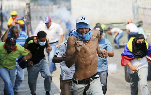 Neredi i protesti u Venecueli