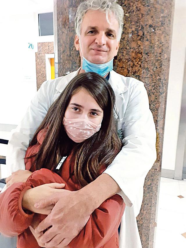 Ona je odličan učenik Srednje medicinske škole i želi da postane neurohirurg, kao čovek koji joj je spasao život – njen dr Mrdak iz Tiršove