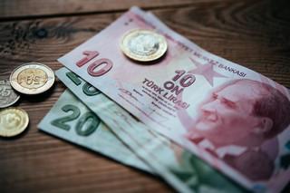 Erdoğan atakuje banki. Turecka lira jeszcze nigdy nie była tak słaba