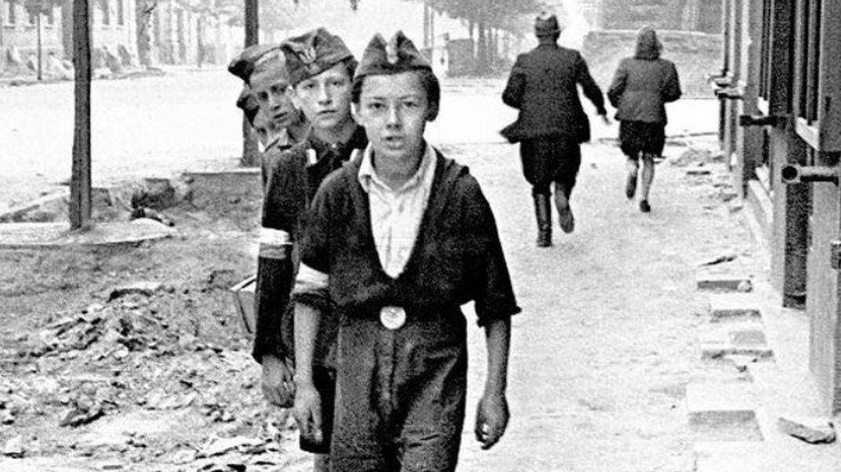 Powstanie Warszawskie wybuchło 77 lat temu. Gwiazdy oddają hołd powstańcom w mediach społecznościowych
