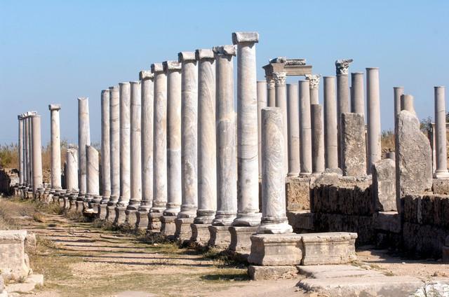 Drevni grad Perge