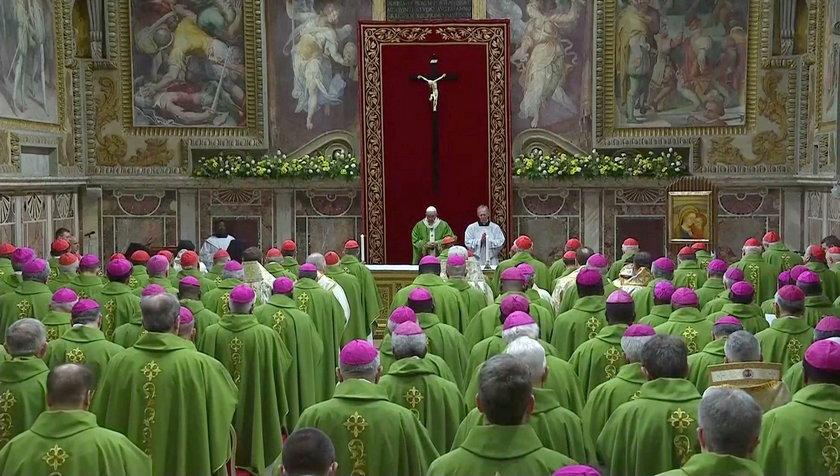 Papież na szczycie w Watykanie