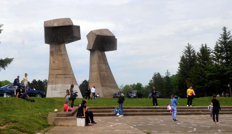 Spomen park BUBANJ u Nisu K Kamenov