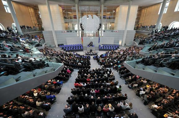 Nemački poslanici na zasedanju skupštine