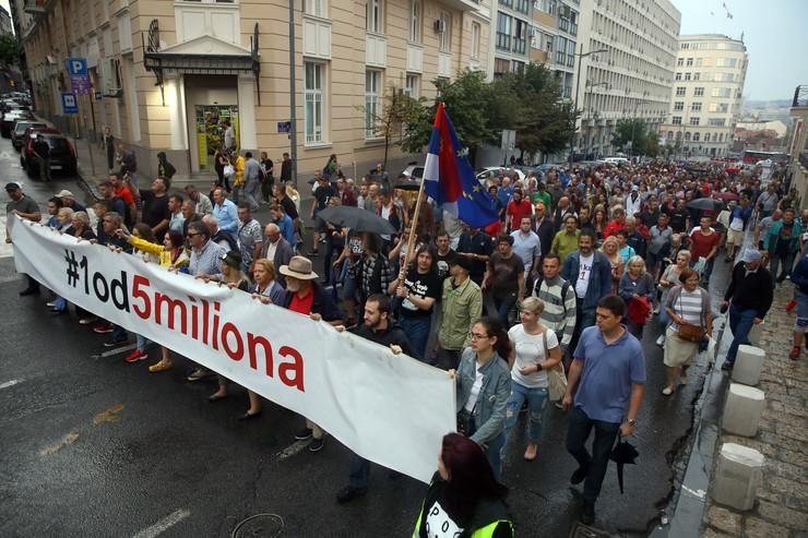 Protest 1od5 miliona_130719_RAS foto oliver bunic13