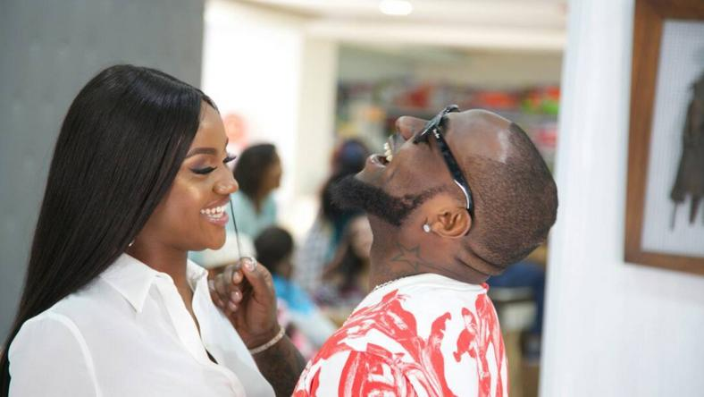 See moment Davido brought out Chioma on stage during his concert