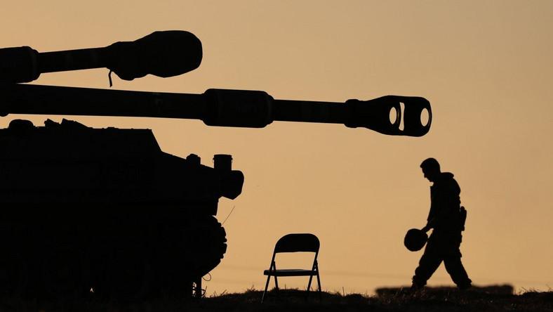Żołnierz izraelskiej artylerii