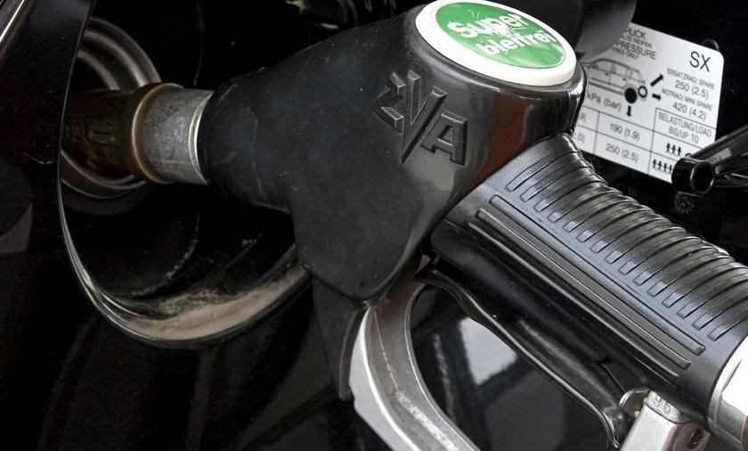 ZUS kupuje 2,4 miliona litrów paliwa