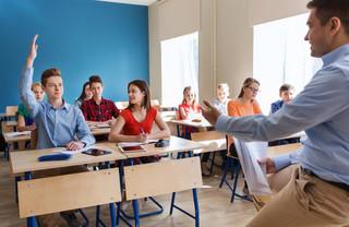 Dobra zmiana w szkole: Gimnazjalista, który nie przejdzie do następnej klasy, zostanie w podstawówce