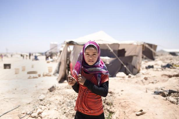 """Do sądu zwrócił się prawnik 23 kobiet, które prosiły, by Holandia repatriowała je oraz ich 56 dzieci z obozu Al-Hol, na północy Syrii. Według adwokata żyją one w """"opłakanych warunkach""""."""