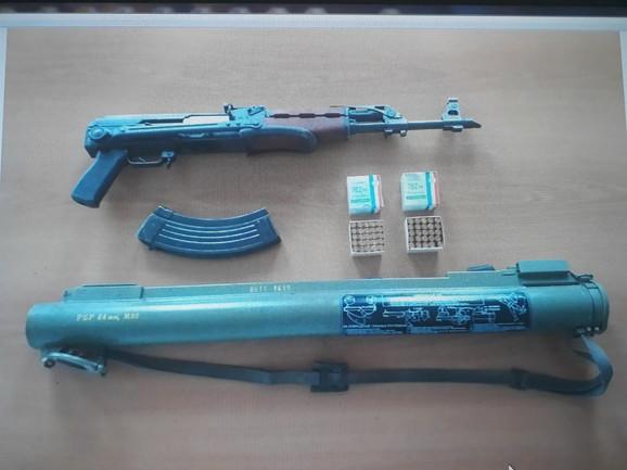 Zolja i automatska puška zaplenjeni na Cetinju