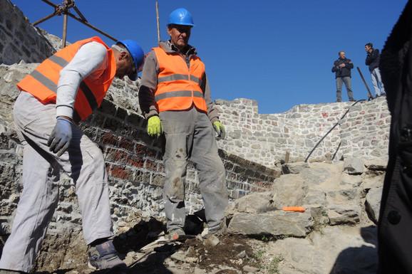 Bedemi spaseni od propadanja: Izvršena konzervacija zidina gornjeg dela Starog grada