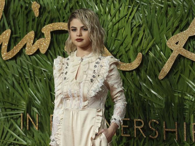 Selena je boginja stila: Ostatak njenog stajlinga će vam to i POKAZATI