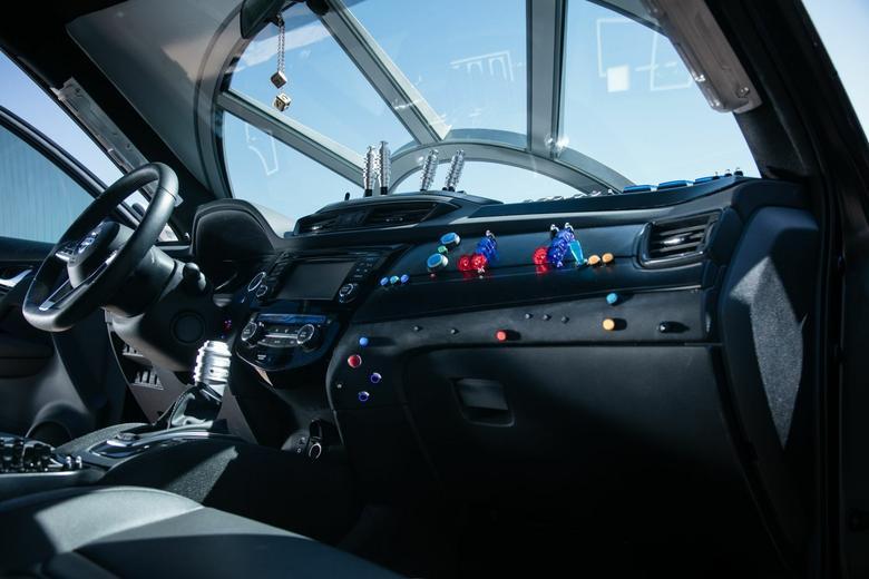 Za przebudowę samochodu odpowiada firma wyspecjalizowana w przygotowywaniu pojazdów na potrzeby kina