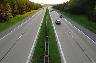 Opłaty za parkingi i przejazdy autostradami: Wyrok TK nie dotyczy świadczeń pieniężnych