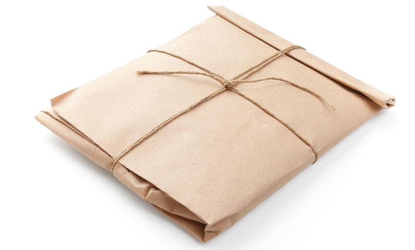 Tajemnicza substancja w przesyłce. Dwie osoby w szpitalu